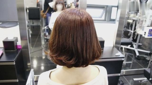 外翻发型中长发