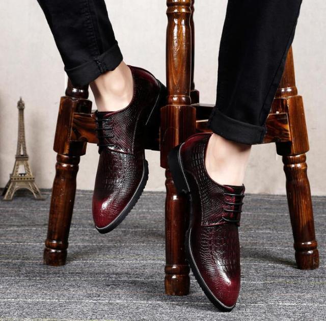 男士内增高休闲白色皮鞋