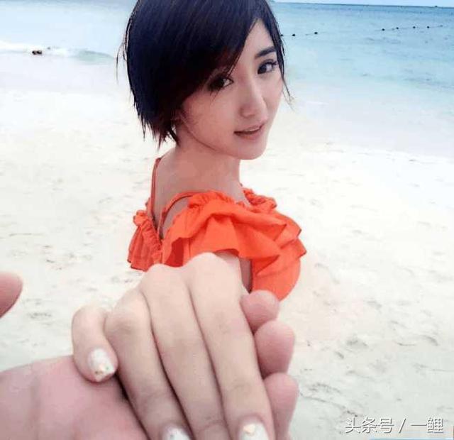和陈翔分手2年后,毛晓彤重新留回长发,美成仙女