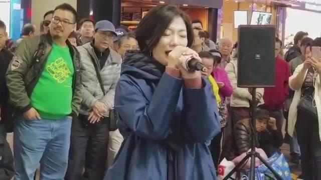 旺角罗文小龙女演唱会