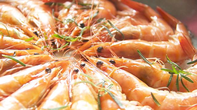 盐烤虾的做法_盐烤虾怎么做_盐烤虾的家常做法【心食谱】