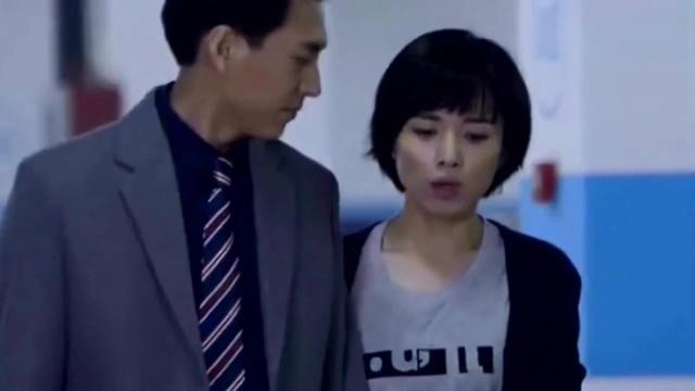 41岁靳东全家近照,妻子温婉贤淑,4岁儿子被赞最帅... _东方新闻