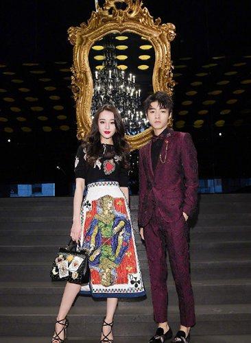 王俊凯迪丽热巴米兰再聚首,王子和公主的既视感!