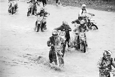 ...越野摩托车河滩拉力赛(图)-越野|摩托车|拉力赛-每日甘肃-临夏