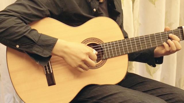 吉他高手都这样练基本功:每天弹5分钟,一周之后左手会变的特别灵活