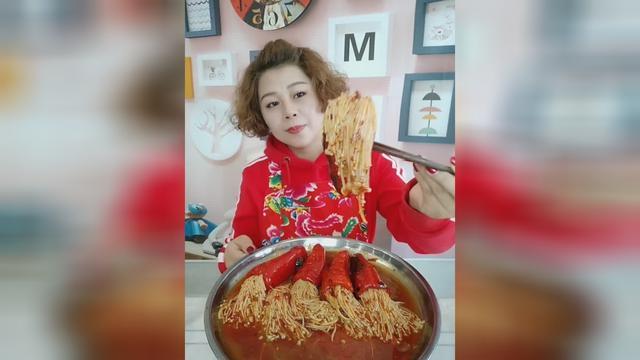 青椒新吃法,香辣尖椒金针菇,所谓无辣不欢,献给... _网易新闻
