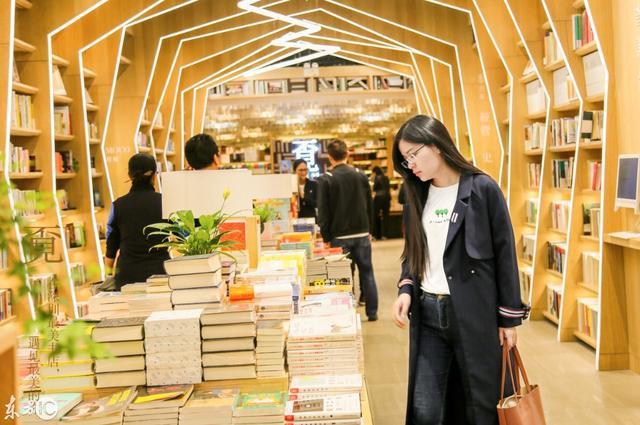 看见城市的光!探寻深圳最美书店