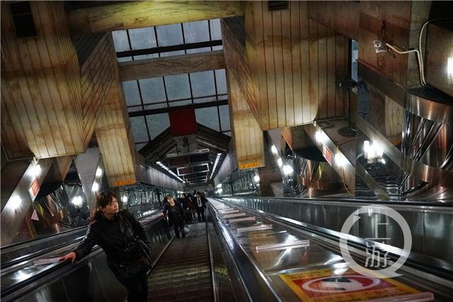 重庆皇冠大扶梯,世界上最会赚钱的电梯,你想坐吗?