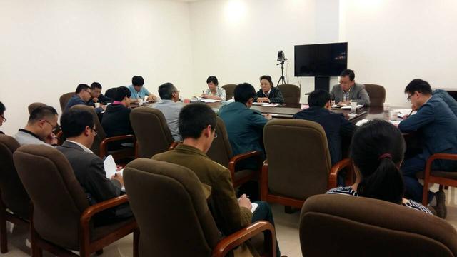 兰州新区管委会主要领导慰问春节坚守岗位值班人员