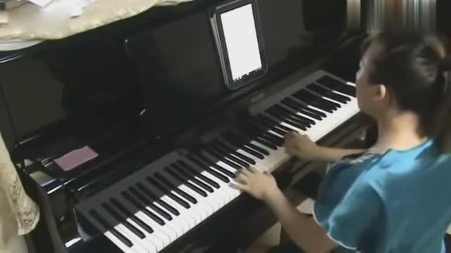 虫儿飞左右手钢琴简谱