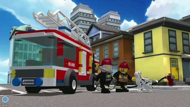 乐高我的城市:火灾警报响起,乐高消防员迅速出警,灭火救援群众