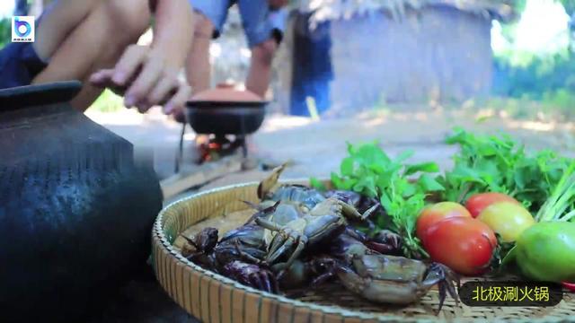 网红菜蒜蓉砂锅焗蟹的做法,鲜香到没人能抗拒它_网易新闻