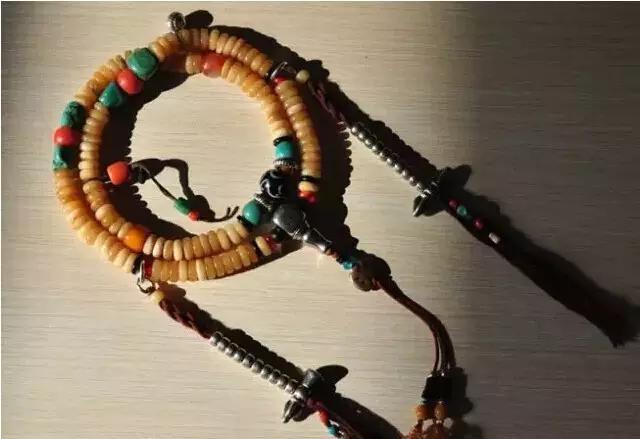 在西藏,这些藏饰品隐藏了太多秘密,而且常被误会是在炫富