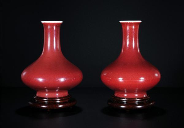 祭红釉瓷器放大50倍图