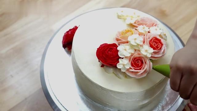 韓國烘焙大師分享生日蛋糕裱花全過程,美極了