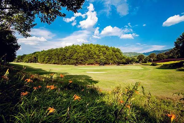 大理唯一一家高尔夫运动度假酒店,竟在苍山脚下?