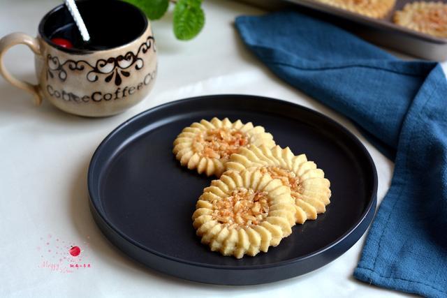 焦糖杏仁饼干的做法_焦糖杏仁饼干怎么做_香脆可口... _美食天下