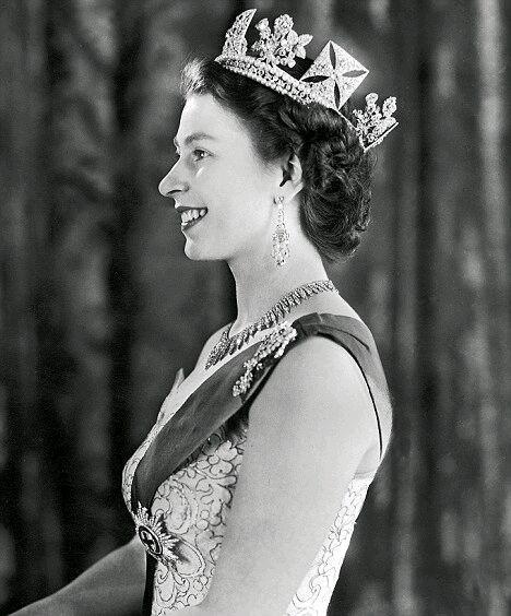 英女王被绿竟苦忍73年,菲利普亲王有30名情妇及多名私生子