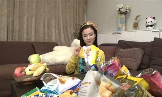 DIY家居物品:收纳垃圾袋,只需要一个薯片罐!-承德手机搜狐焦点