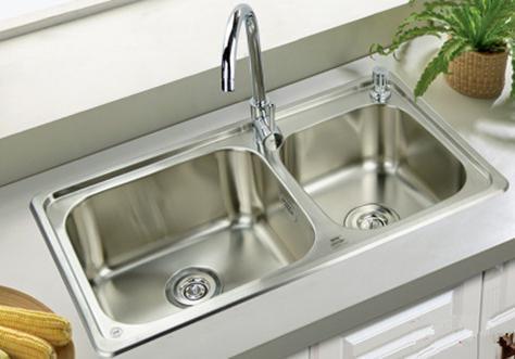 厨房水槽选单槽还是双槽?没选对的话,锅都洗不了!