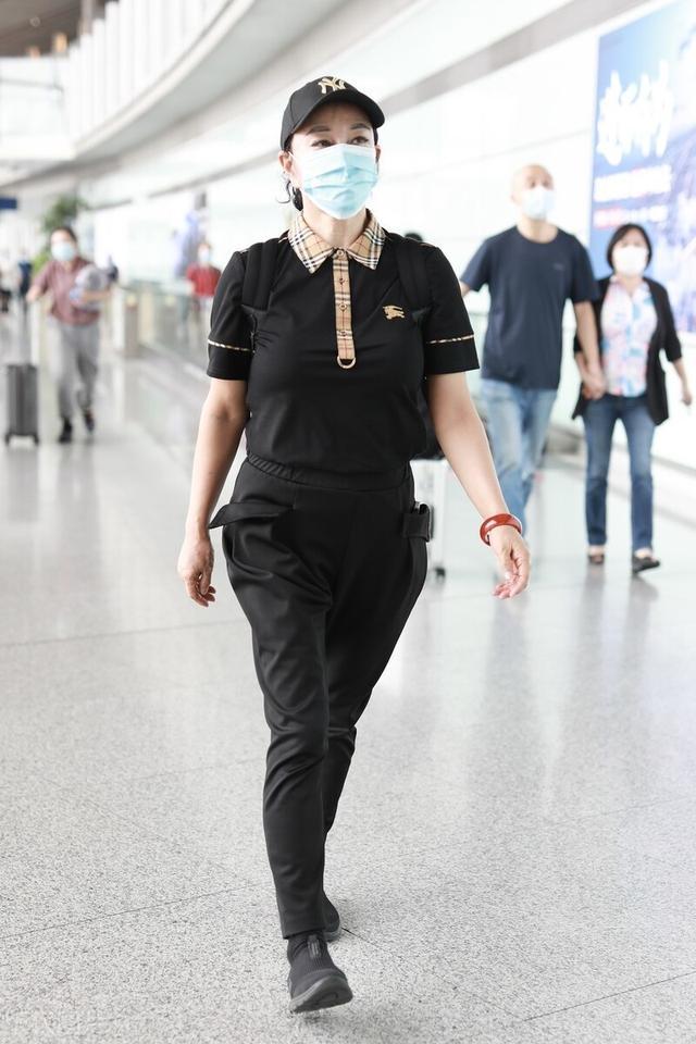 一周明星街拍大盘点,看看谁才是机场时尚穿搭女王