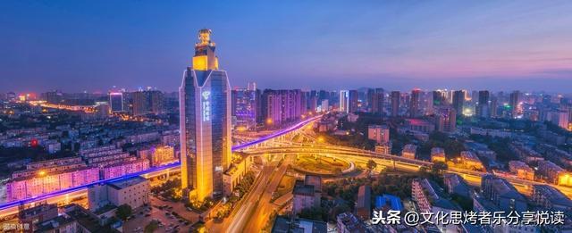 合肥三河古镇夜景图片