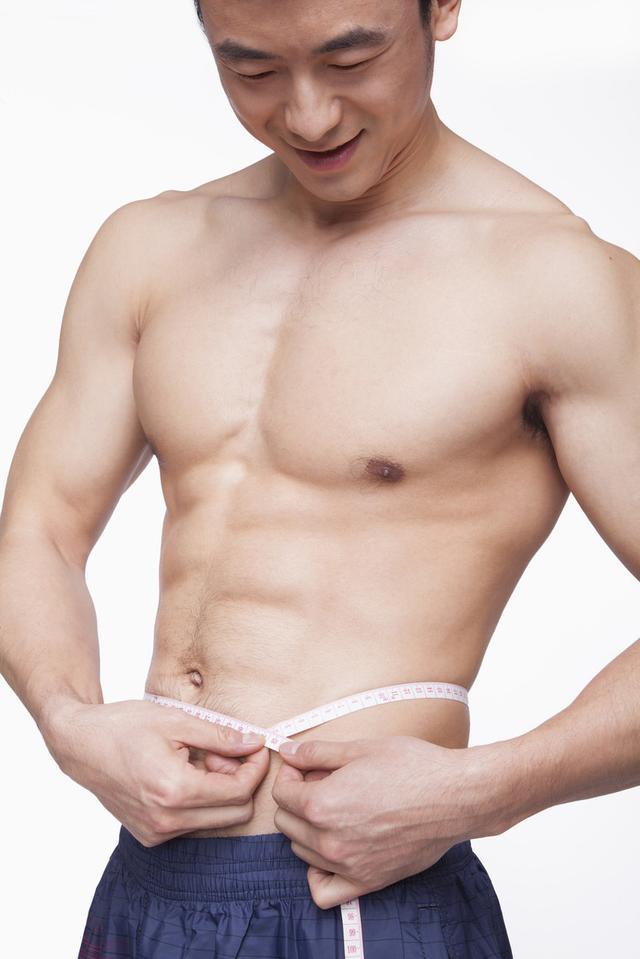 肌肉男健身房虐腹这腹肌太帅了