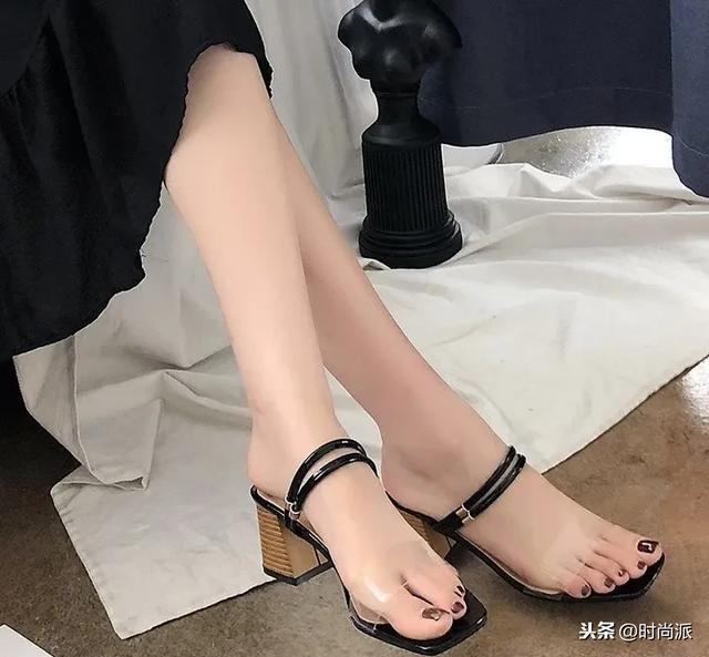 初中生凉鞋女平底