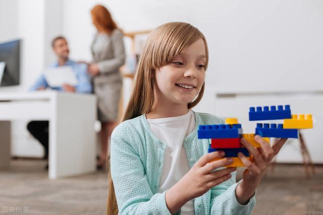 孩子在人群中不敢说话?如何提升孩子领导力素质