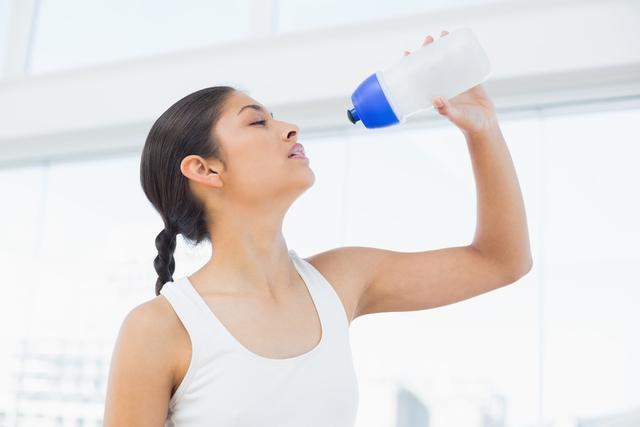 多喝水?每天喝多少水才健康呢?