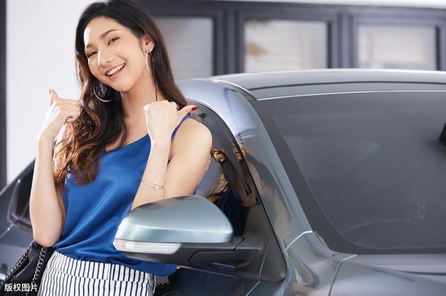 汽车养护专家:建议车主将车子停放在室内停车场,原因有二