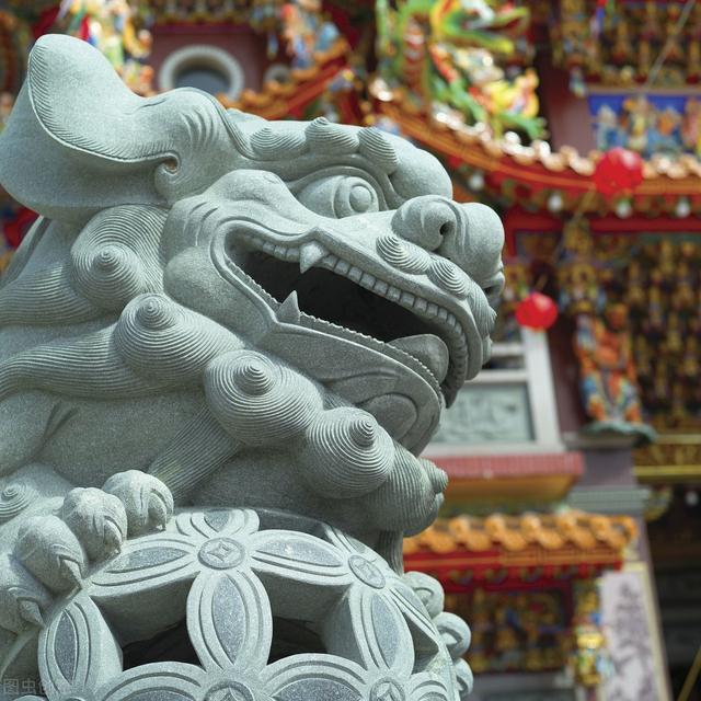 """中国人喜用吉祥物镇宅   曾祥裕为福州金融机构摆放""""石狮"""""""