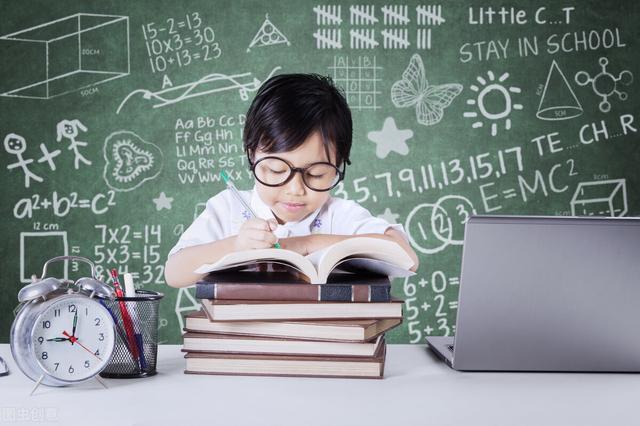拿高分的孩子暑假在做6件事,建议家长和孩子一起看看