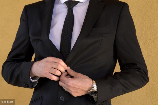 教师资格面试:男教师应该怎么穿?