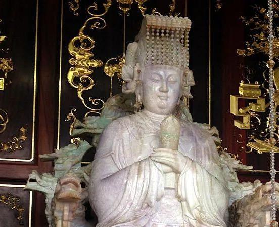 为什么妈祖神像大多戴着头冠?原来与历朝历代的敕封有关