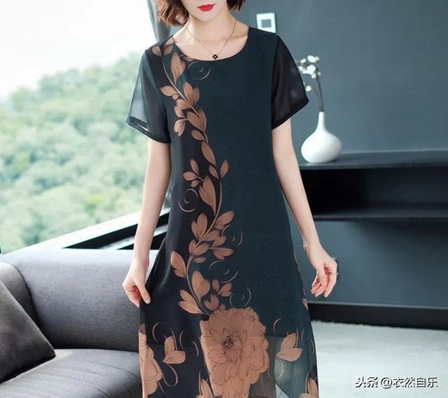 40~50岁妈妈夏季服装搭配,懂得时尚的妈妈一样可以有魅力