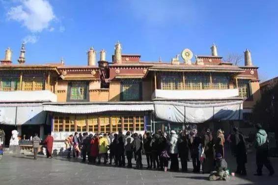 西藏寺庙护法神殿图片