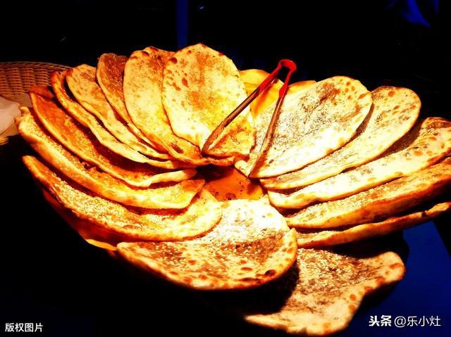 小吃店鲜肉锅盔:酥香薄脆不油腻,分享个超简单做法,吃着老香了