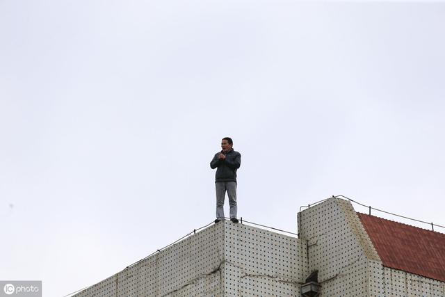 """甘肃85后创业记:商业""""围城"""",让我由颓废走向成功"""