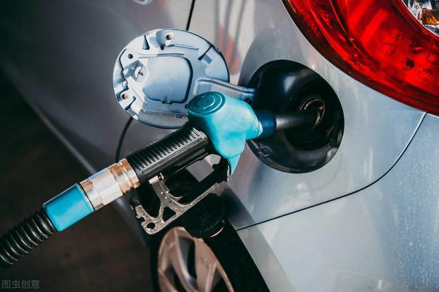 为什么美国的油价能比我国低?除了税率低外,还有一点我们做不到