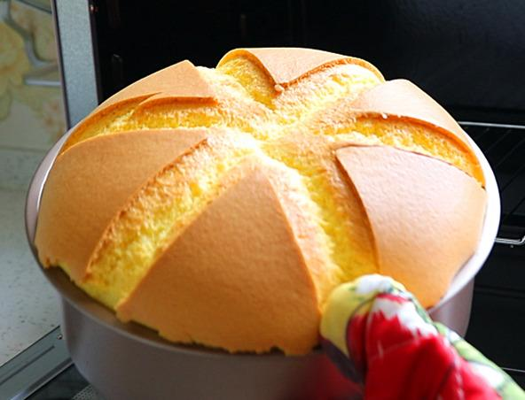 想吃蛋糕,這種做法最好吃。我家隔三差五就做,怎么吃也吃不夠