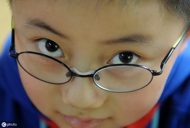 20元的镜架,200元卖你是讲人情?眼镜行业的利润空间有多大