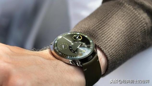 一款可以从表盘上观察时间流逝的腕表