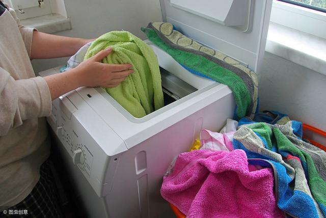 洗衣机脏了能用白醋和苏打一起清洗 超详细的清洗步... _伊秀经验
