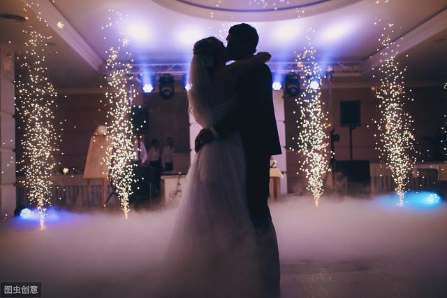 故事:母亲总是催我结婚,我把结婚证递她面前,她却逼着我离婚(下)