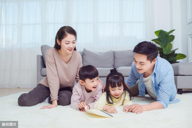 """孩子一看书就跑开?学会""""运营思维"""",变身最会讲故事的父母"""