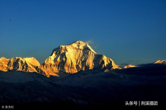 世界第七高峰道拉吉利峰南坡雪崩 9名登山者身亡