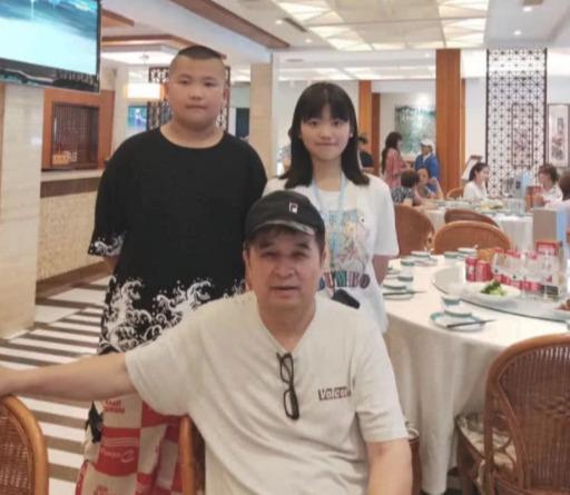 61岁毕福剑最新动态公开,曾出演公益视频,日常生活丰富