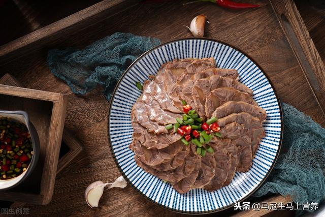 铁板黑椒牛柳图片