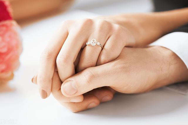 有一种婚姻态度是,认清婚姻的真相之后,仍然期待婚姻